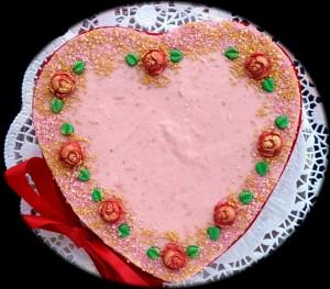 Valentinstag - Himbeerherz mit Zuckerrosen-Dekoration